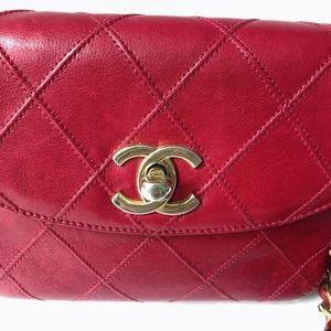 CHANEL Bags - Chanel vintage Quited belt bag in red lipstick 💄